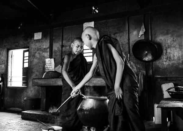 monks-inle-lake-4