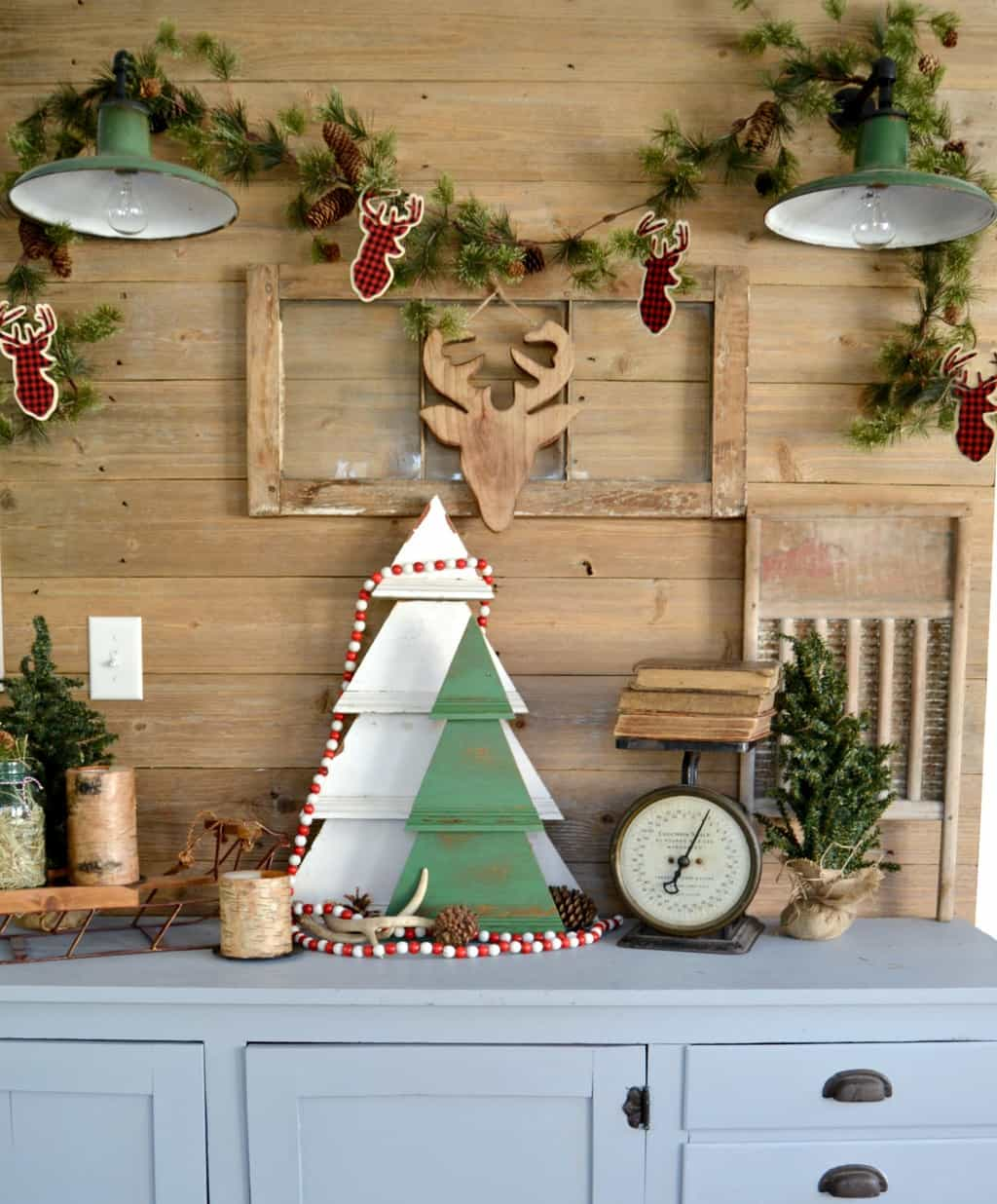Outdoor Wall Christmas Decorations Diy Rustic Wall Christmas Tree To Add Character And Charm To