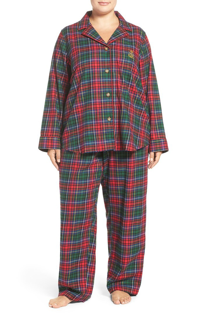 cute-plaid-plus-size-pajama-sets-for-the-holidays