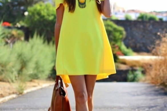 Outfit Ideas to Wear Lime This Summer 3