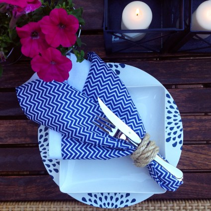 DIY Wooden Placemats & Summer Table Setting Ideas