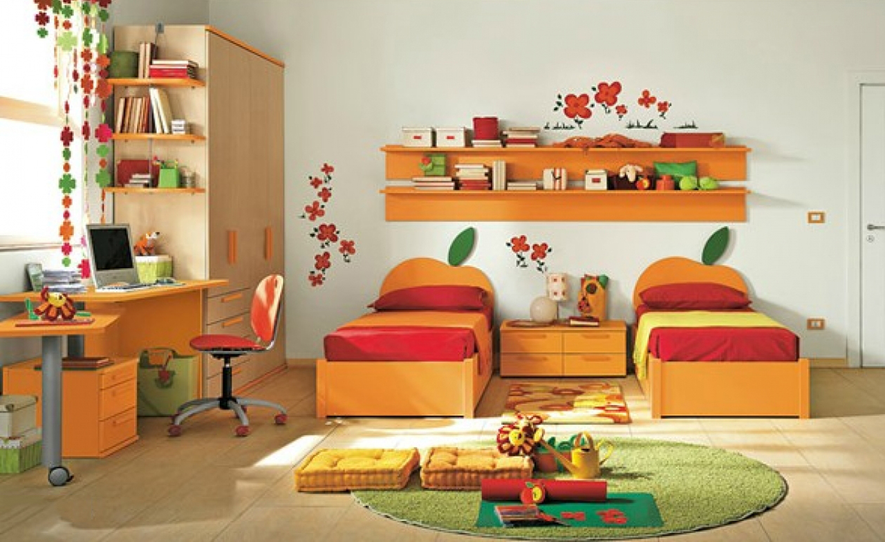 Attractive_and_colorful_kids_bedroom_design decorating a kid bedroom