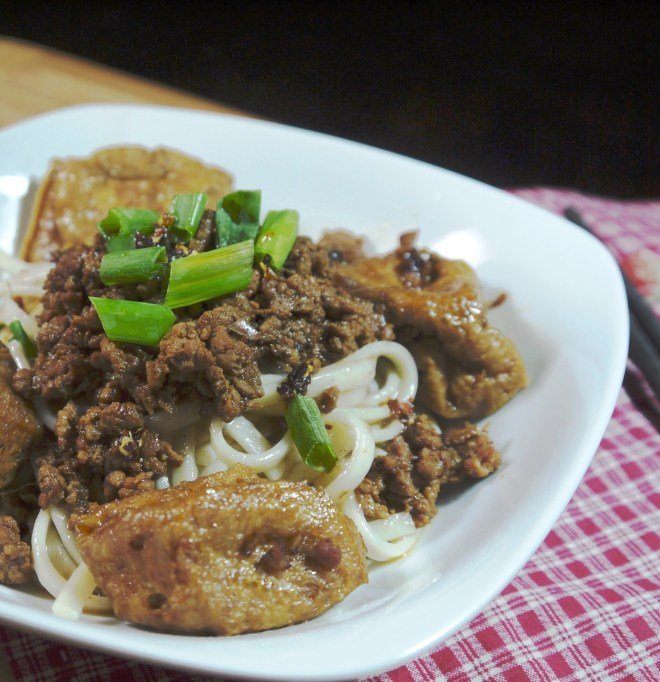 Taiwan Meat Sauce with noodle