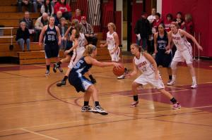 Mackenzie Bretz takes the ball in for the Mavs Tuesday (Photos by Ken Pickle)