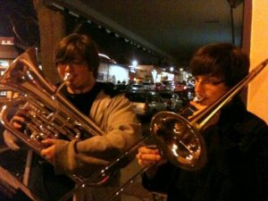 Ethan Brown and Brad Riggs from Edmonds-Woodway High School perform outside the downtown Edmonds Starbucks Thursday evening.