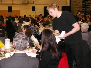 Lynnwood High School marketing students served breakfast to attendees.