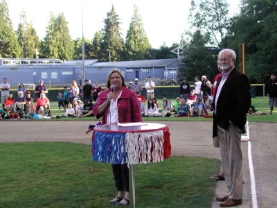 Lynnwood Mayor Nicola Smith and Edmonds Mayor Dave Earling were present to congratulate the team and read a joint proclamation.