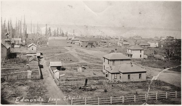 Edmonds just after incorporation in the early 1890s. Twenty years of logging left the bowl area almost completely clear of the original old-growth forest. This photo was taken from the roof of the grade school building that occupied the site of the present-day library.