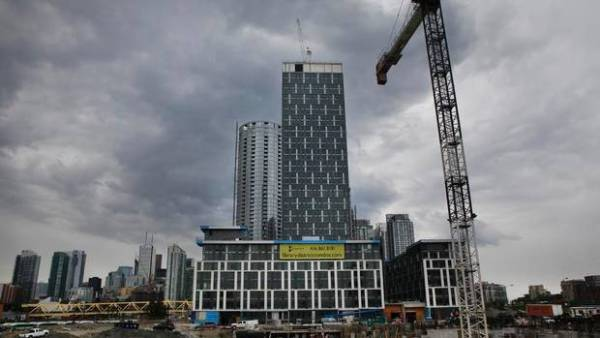 Toronto condo projects fuel August housing starts