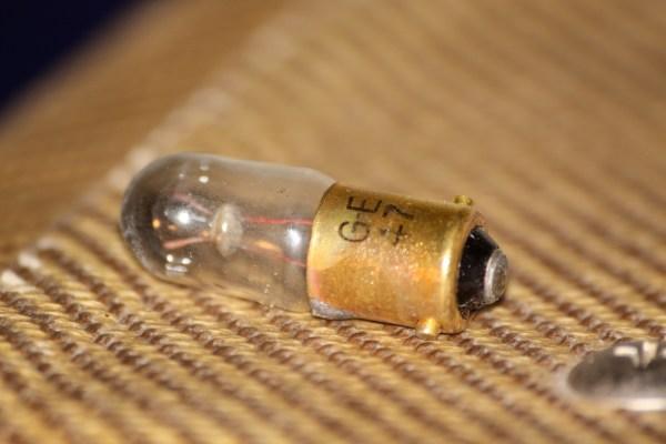Tweed Fender Champ lightbulb