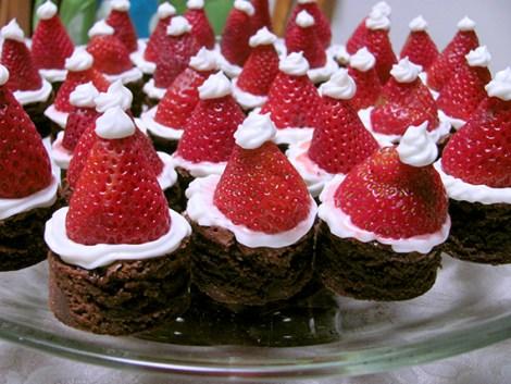 santa-hat-brownie-bites-08
