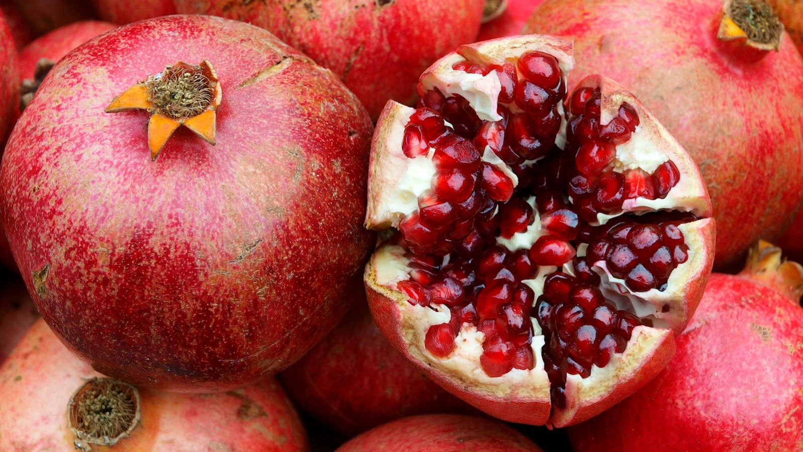 Pomegranate Pics 9 Jewish Things About Pomegranates My Jewish Learning