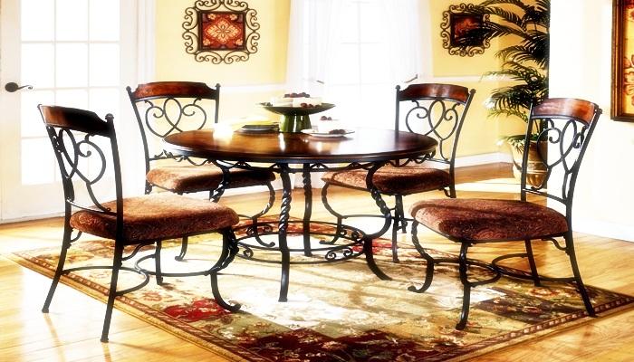 Affordable dining table arrangement