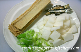 Fish Cake Soup 2 (Eomuk-Guk in Korean) ingredietns