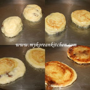 Sweet Pancake Mix (Hoddeok) cooking