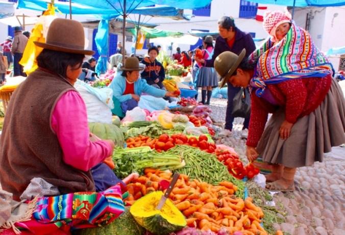 Sonntagsmarkt in Pisac, Heiliges Tal bei Cusco.