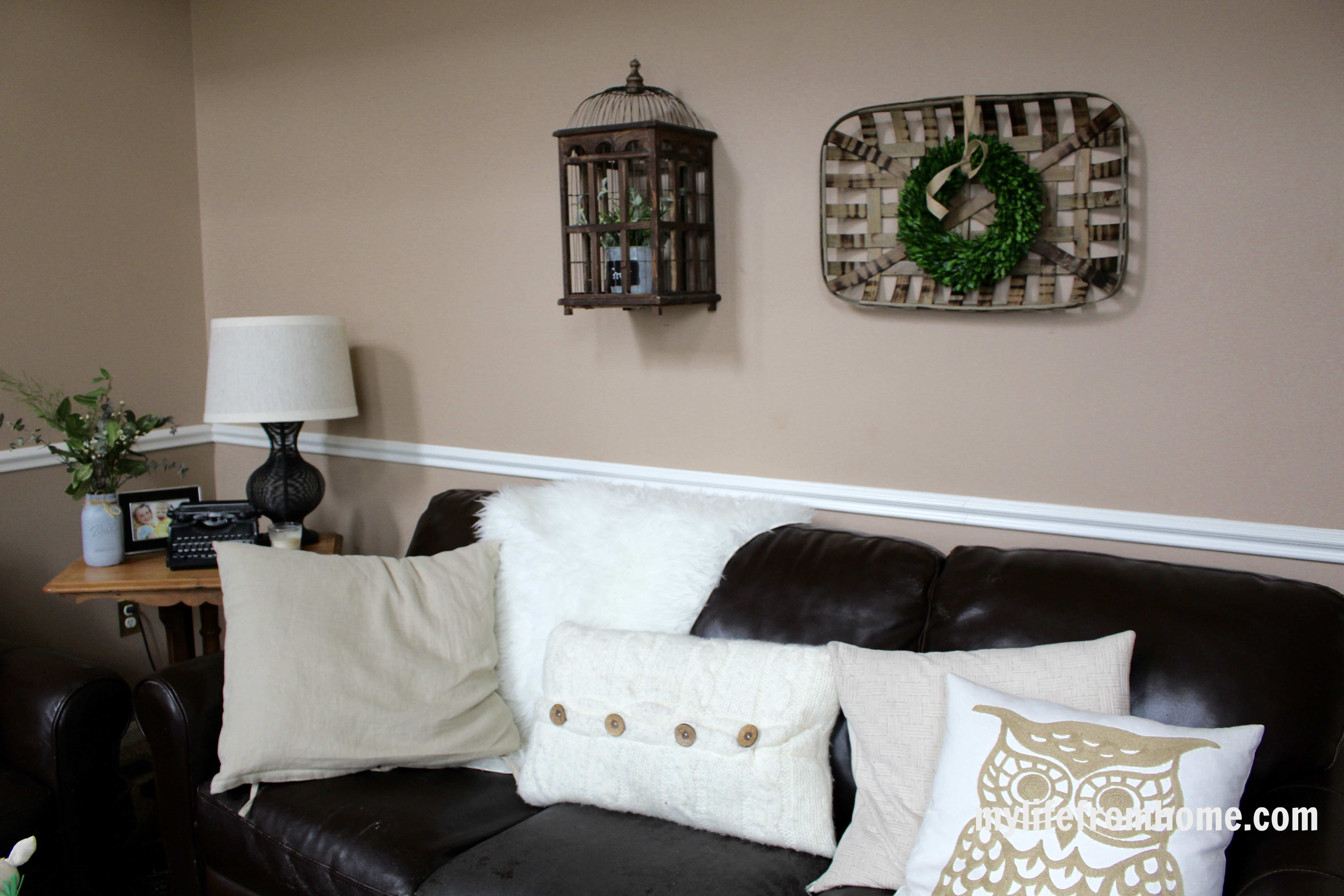 Family Room Decorated for Spring by www.mylifefromhome.com