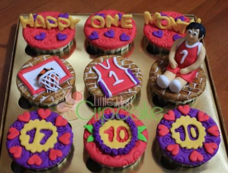 Create Anniversary Cupcakes