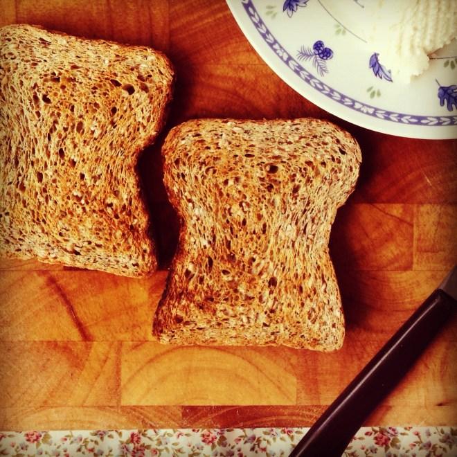 ricotta & cinnamon fruit toast