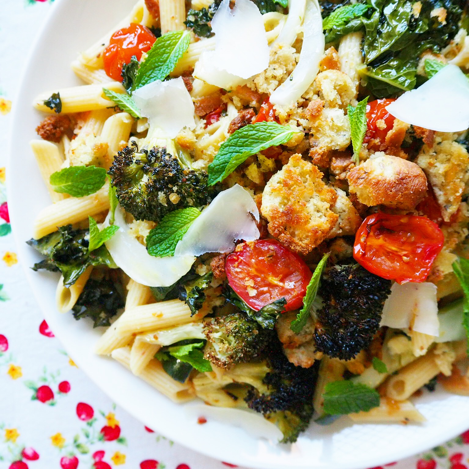 kale, broccoli & cherry tomato penne with crispy garlicky breadcrumbs ...