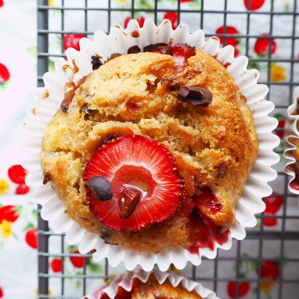 strawberry, banana & cacao nib muffins