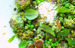 pea, spinach & ricotta gnocchi with mint & pistachio pesto
