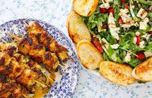 pesto chicken skewers & tomato salad with crispy croutons