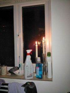 Hubby lit the candles in the bathroom for me. You can just see them behind the mould spray and next to the toilet cleaner. Who said romance was dead?