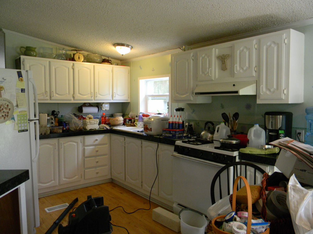 How To Paint Kitchen Cabinets In Mobile Home First Kitchen Remodel My Mobile Home Makeover
