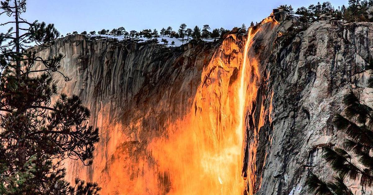 Yosemite Lava Falls Wallpaper Yosemite Firefall Ignites Horsetail Fall With A Brilliant