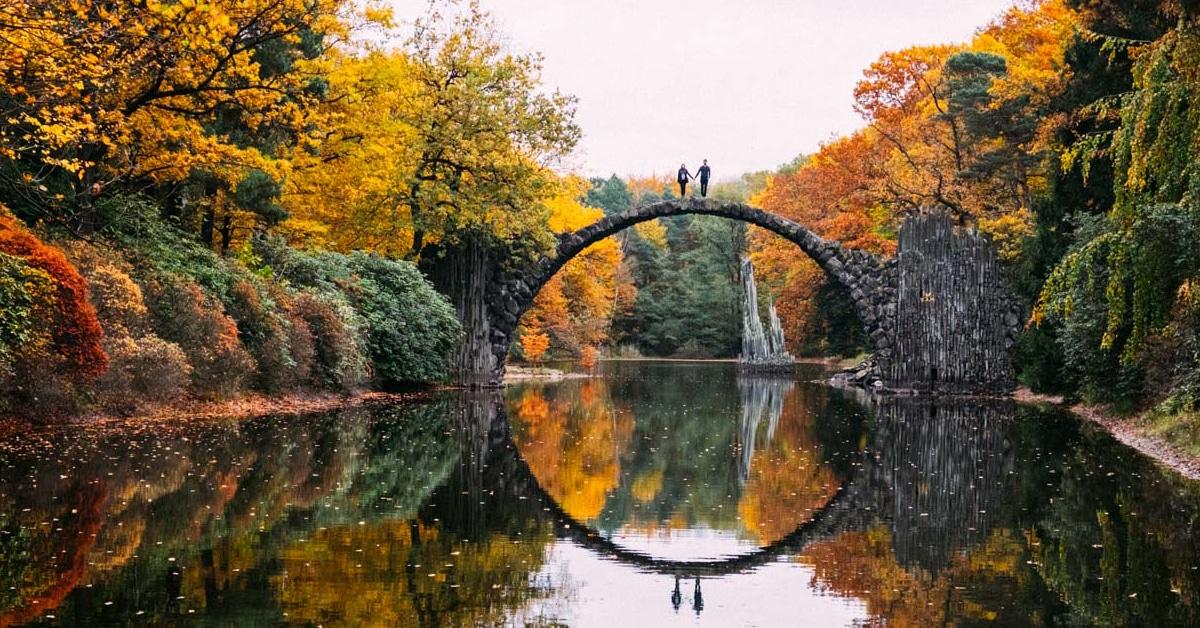 Gorgeous Girl Desktop Wallpaper Circle Bridge Known As Devil S Bridge Forms A Stunning