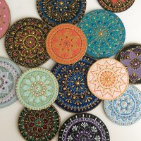 Mandala Artist Hand-Paints Mesmerizing Patterns on Ceramic ...