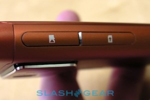 "Stunning live photos of Orange (Red?) Nokia N8 –  ""most impressive pre-production hardware we've seen"""