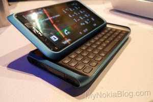 Gallery: Nokia E7 blue – How external slots should work.