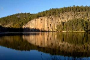 Video: Nokia N8 on a balloon with N8 Producers behind the scenes: Rock Climbing in Finland –