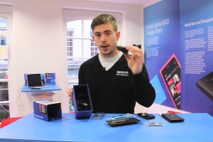 Weekend Watch: Adam Giles unboxes the Nokia Lumia 710