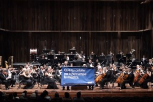 Video: Nokia Tune interrupts an Orchestra (Nokia Mexico)