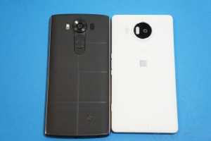 Microsoft Lumia 950 XL Vs LG V10: Fight!