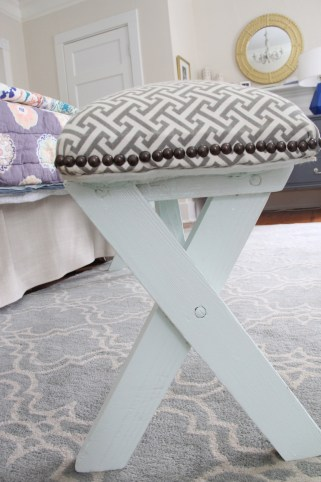 BEDROOM BENCH PAINTED SPRING MINT