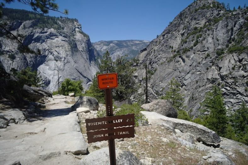 Upper Yosemite Falls Wallpaper Usa Yosemite National Park Mist Trail Myoutdoorsite