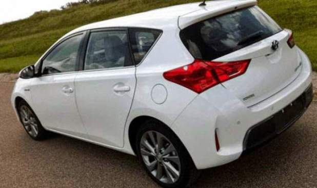Toyota Auris Facelift 2017 Model New Shape Car Price in Pakistan Features Release Date