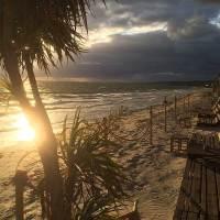 Tropical beach – tropisk strand men inte tropiskt väder