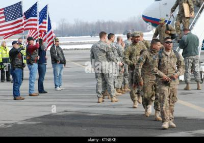 Welcome Home Troops Stock Photos & Welcome Home Troops Stock Images - Alamy