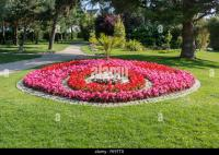 Round Flower Bed Stock Photos & Round Flower Bed Stock ...
