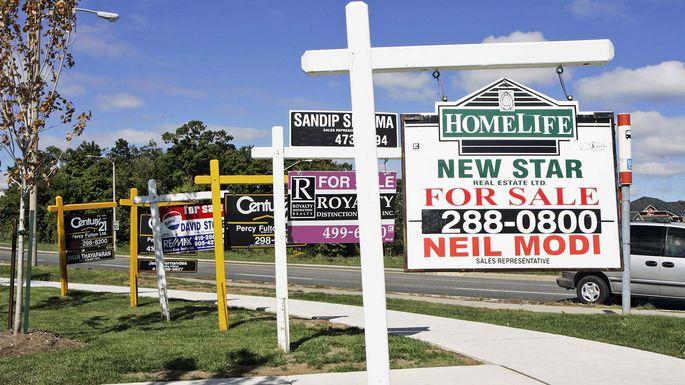 It\u0027s a Great Time to Sell a Home\u2014and to Buy Again realtor® - forsale sign