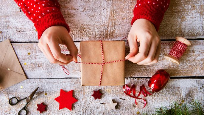 Holiday Gift Etiquette for Homeowners, Renters, and Landlords