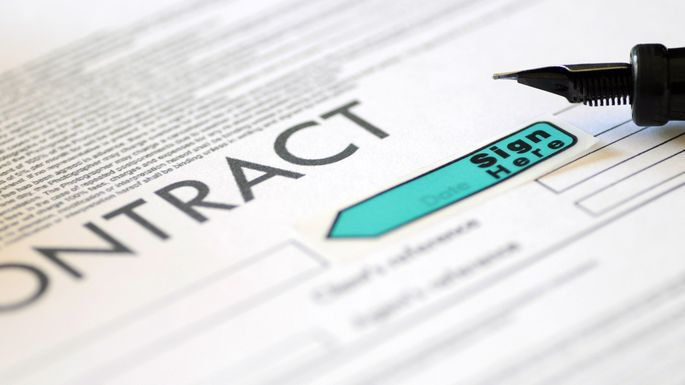 When Does a Real Estate Contract Become Legal and Binding? realtor - legal contract
