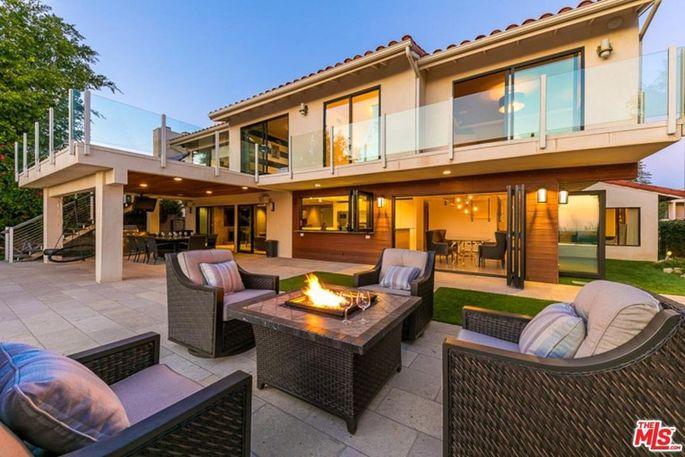 RHOBH\u0027 Star Teddi Mellencamp Selling or Renting Out Her LA Home