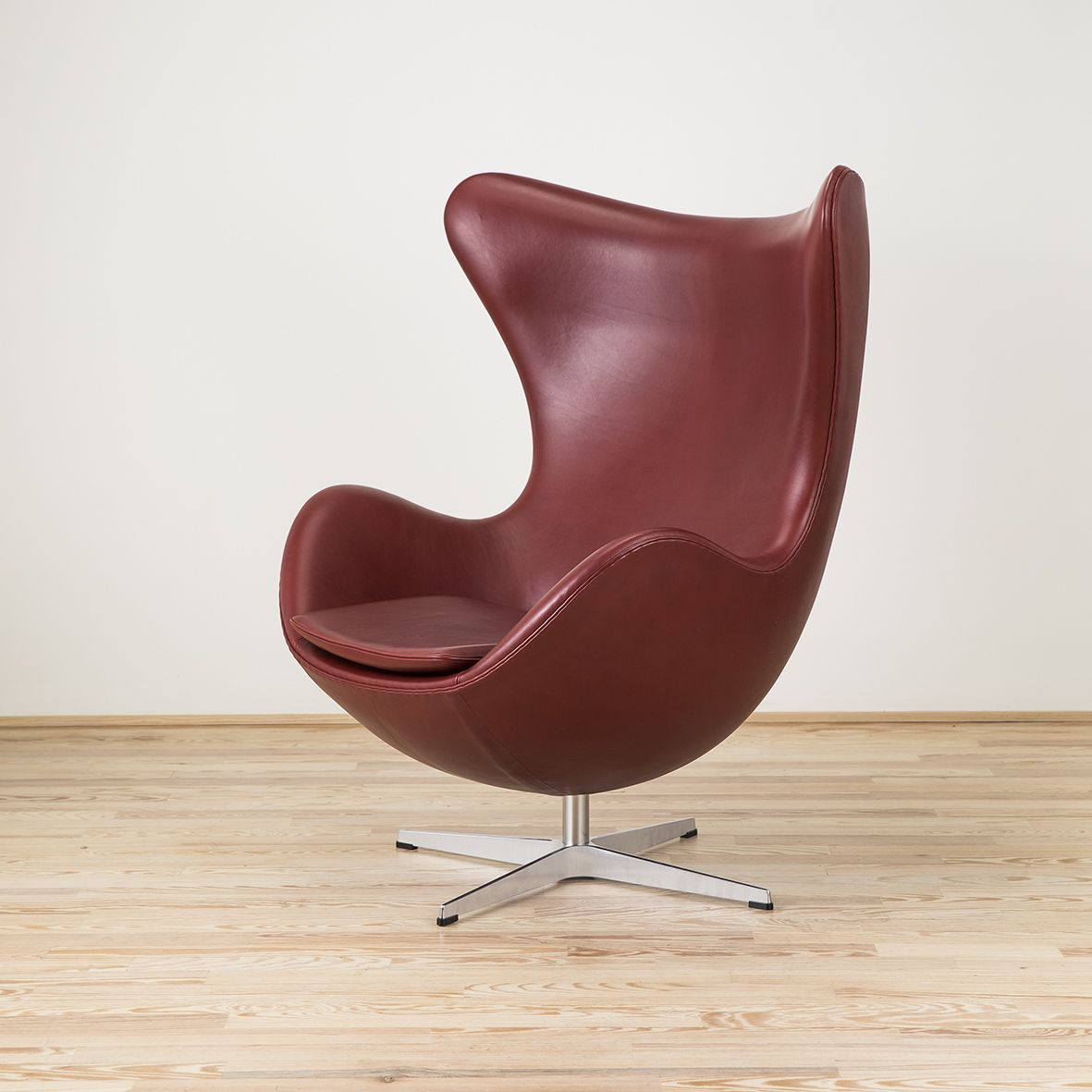 Poltrona Uovo Jacobsen Originale Butaca Huevo Indian Red Fritz Hansen