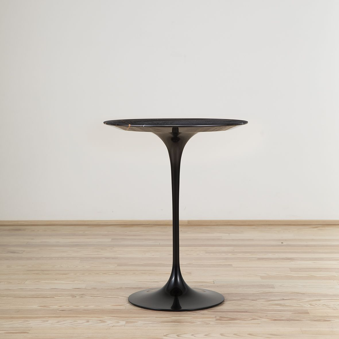 Saarinen Knoll Table Mesa Auxiliar Tulip Saarinen Stock Knoll